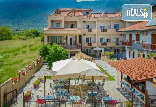 За Великден на остров Тасос, Гърция! 3 нощувки със закуски, вечери и празничен Великденски обяд в Ellas Hotel, транспорт и разходка в Кавала - Снимка 1