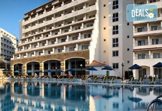 Майски празници в Batihan Beach Resort & Spa 4*+, Кушадасъ, Турция, с Вени Травел! 5 нощувки на база All Incl, възможност за транспорт - Снимка 1