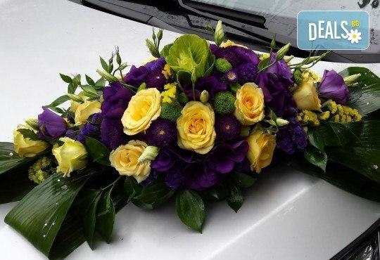 За Вашата сватба от Сватбена агенция Вю Арт! Цветя за сватбената маса и масите за гости + консултация със сватбен агент! - Снимка 6