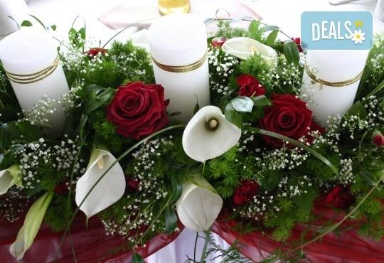 За Вашата сватба от Сватбена агенция Вю Арт! Цветя за сватбената маса и масите за гости + консултация със сватбен агент! - Снимка 3