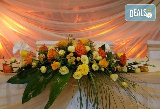 За Вашата сватба от Сватбена агенция Вю Арт! Цветя за сватбената маса и масите за гости + консултация със сватбен агент! - Снимка 2