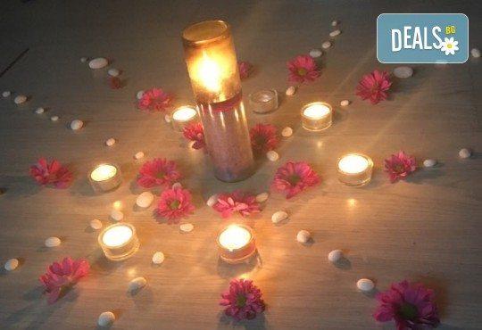 Вечерно посещение на йога на свещи със Светла Иванова в студио Одет! - Снимка 4