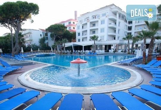 Екскурзия за 24-ти май в Албания! 3 нощувки с 3 закуски и 3 вечери в хотел Mel Holiday част от Fafa Resort 4*, транспорт и програма в Дуръс, Скопие и Охрид! - Снимка 1