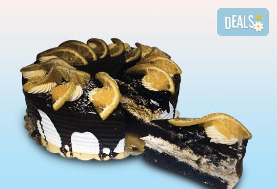 Неустоим вкус! Опитайте торта Карамел с 8 или 14 парчета и възможност за поставяне на надпис или пожелание от сладкарница Дао! - Снимка 1