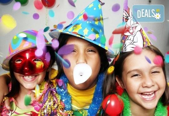 Забавление за всички! Детски рожден ден за до 10 деца с меню, торта и занимателни игри в кафе-клуб Весело местенце в кв. Овча купел! - Снимка 3