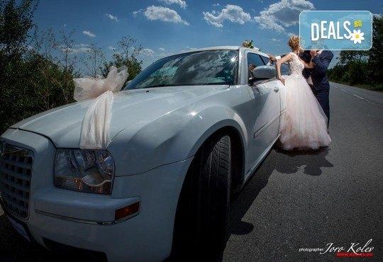 Лукс и класа! 10-часов наем на 10-местна лимузина Крайслер за Вашата сватба, специален ден или фотосесия от San Diego Limousines! - Снимка 2