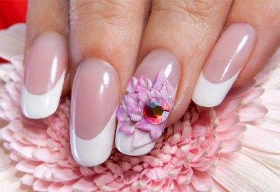 Красиви нокти! Ноктопластика с изграждане и 4 декорации в Салон за красота Belisimas