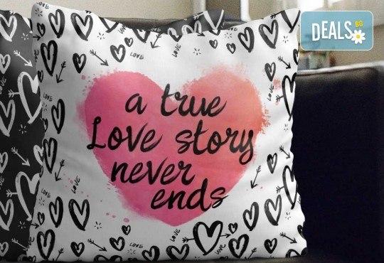 Подарък за любим човек! Декоративна възглавничка сърце със снимка или квадрат 40х40 см. от Studio SVR Design! - Снимка 7