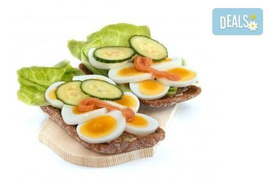 За Вашето парти! 45 броя сандвичи микс от H&D catering, София - с възможна доставка до Вашия дом + бонус: 30 бр. кокосови топки - Снимка 3
