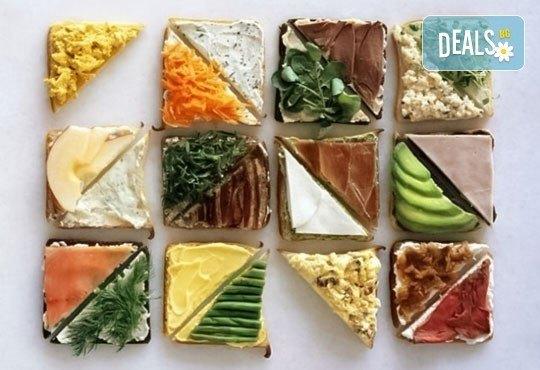 За Вашето парти! 45 броя сандвичи микс от H&D catering, София - с възможна доставка до Вашия дом + бонус: 30 бр. кокосови топки - Снимка 1