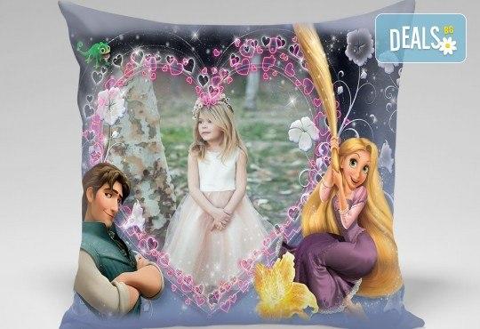 За празника на мама! Декоративна възглавничка със снимка квадрат 40х40 см. или във формата на сърце от Studio SVR Design! - Снимка 4