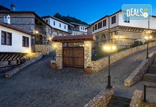 Великден в Етно комплекс Македонско село с Караджъ Турс! 2 нощувки, със закуски и вечери, едната от които празнична с жива музика и напитки, транспорт - Снимка 5
