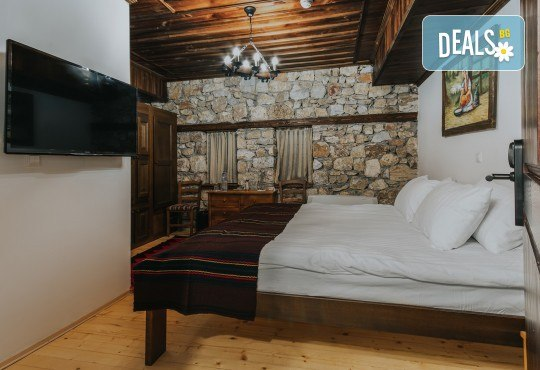 Великден в Етно комплекс Македонско село с Караджъ Турс! 2 нощувки, със закуски и вечери, едната от които празнична с жива музика и напитки, транспорт - Снимка 8