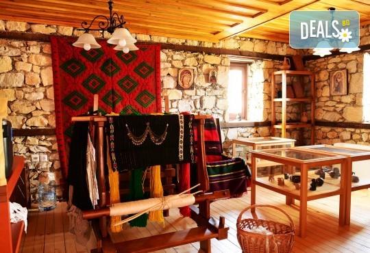 Великден в Етно комплекс Македонско село с Караджъ Турс! 2 нощувки, със закуски и вечери, едната от които празнична с жива музика и напитки, транспорт - Снимка 11