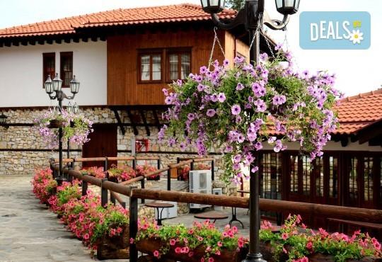 Великден в Етно комплекс Македонско село с Караджъ Турс! 2 нощувки, със закуски и вечери, едната от които празнична с жива музика и напитки, транспорт - Снимка 1