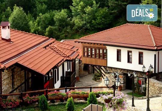 Великден в Етно комплекс Македонско село с Караджъ Турс! 2 нощувки, със закуски и вечери, едната от които празнична с жива музика и напитки, транспорт - Снимка 2
