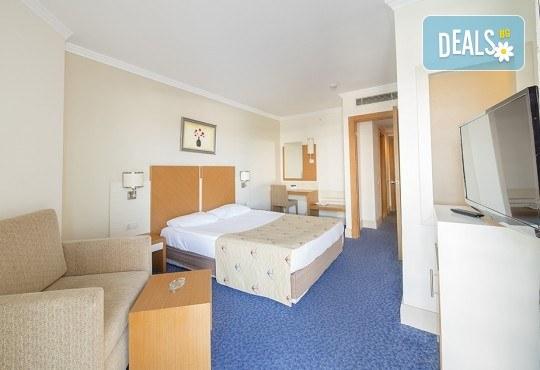 Почивка на Турската ривиера за Майските празници! 7 нощувки на база Ultra All Inclusive в Crystal Admiral Resort Suites & Spa 5*, Сиде, и 2 нощувки със закуски в Истанбул и Бурса, транспорт - Снимка 4