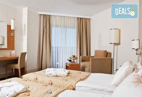 Почивка на Турската ривиера за Майските празници! 7 нощувки на база Ultra All Inclusive в Crystal Admiral Resort Suites & Spa 5*, Сиде, и 2 нощувки със закуски в Истанбул и Бурса, транспорт - Снимка 3
