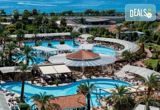 Почивка на Турската ривиера за Майските празници! 7 нощувки на база Ultra All Inclusive в Crystal Admiral Resort Suites & Spa 5*, Сиде, и 2 нощувки със закуски в Истанбул и Бурса, транспорт - Снимка 2