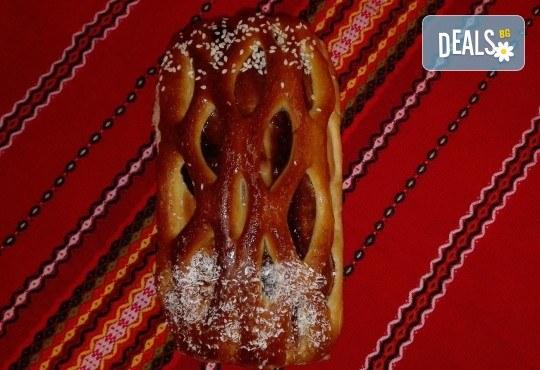 Козунак за Великден в 7 пакета със стафиди, локум, плодове, шоколад, декорация и мармалад от Работилница за кусотии Рави! - Снимка 6