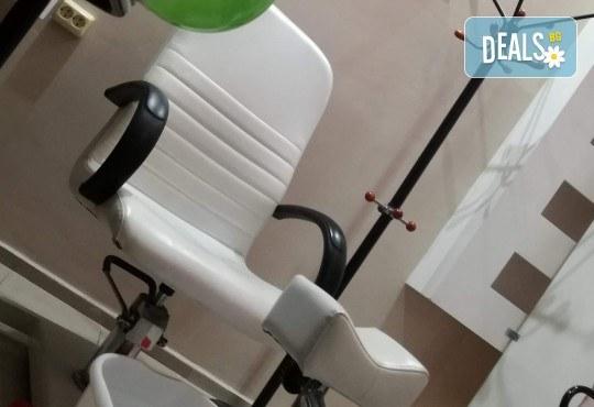 Полиране на коса, масажно измиване, терапия в 3 стъпки и изправяне с преса в салон Женско Царство, Център! - Снимка 3