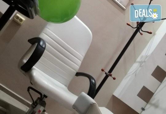 Без игли и болка! 1 или 5 процедури кислородна мезотерапия за лице в 8 стъпки в салон за красота Женско царство - Център! - Снимка 3