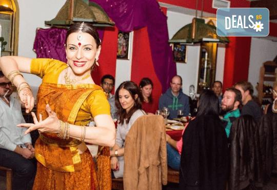 Салата и основно ястие по избор от цялото меню, чаша вино, традиционен индийски хляб и кана вода в индийски ресторант Spice House! - Снимка 9