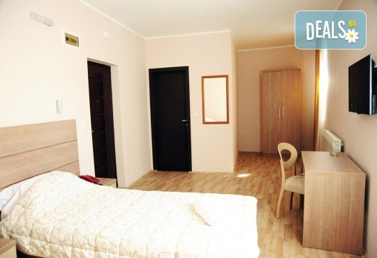 За Гергьовден в Hotel Crystal Ice 3*, Ниш, Сърбия! 2 нощувки със закуски и 1 вечеря, транспорт, посещение на Темски и Суковски манастир - Снимка 5