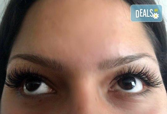 Пленителни очи! Поставяне на копринени мигли луксозен клас Magic lashes по метода косъм по косъм от Студио Vess Nails! - Снимка 5