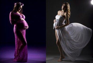 60-минутна фотосесия за бременни в студио с включени аксесоари, дрехи и ефекти + обработка на всички заснети кадри, от Chapkanov photography! - Снимка