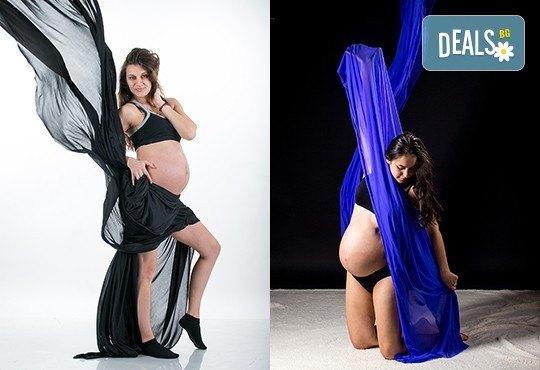 60-минутна фотосесия за бременни в студио с включени аксесоари, дрехи и ефекти + обработка на всички заснети кадри, от Chapkanov photography! - Снимка 14