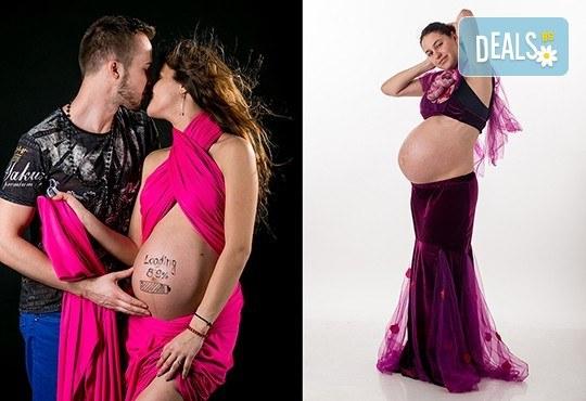 60-минутна фотосесия за бременни в студио с включени аксесоари, дрехи и ефекти + обработка на всички заснети кадри, от Chapkanov photography! - Снимка 18