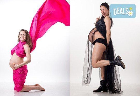 60-минутна фотосесия за бременни в студио с включени аксесоари, дрехи и ефекти + обработка на всички заснети кадри, от Chapkanov photography! - Снимка 15