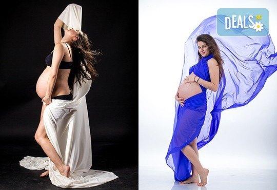 60-минутна фотосесия за бременни в студио с включени аксесоари, дрехи и ефекти + обработка на всички заснети кадри, от Chapkanov photography! - Снимка 17