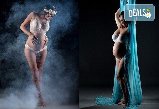 60-минутна фотосесия за бременни в студио с включени аксесоари, дрехи и ефекти + обработка на всички заснети кадри, от Chapkanov photography! - Снимка 4