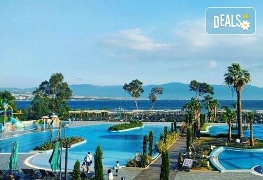 Майски празници в Кушадасъ, Турция, с Вени Травел! 5 нощувки Ultra All Inclusive в хотел Amara Sea Light 5*, възможност за транспорт! - Снимка 4