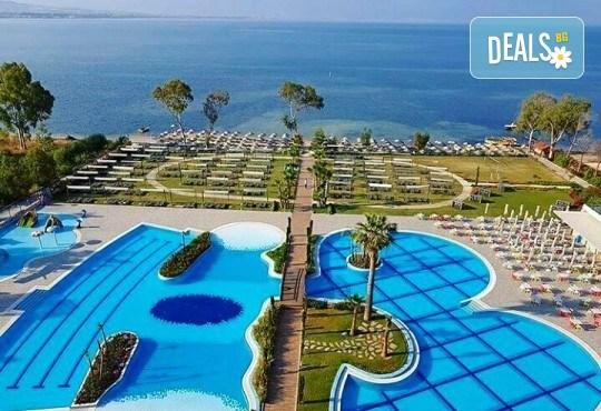 Майски празници в Кушадасъ, Турция, с Вени Травел! 5 нощувки Ultra All Inclusive в хотел Amara Sea Light 5*, възможност за транспорт! - Снимка 3