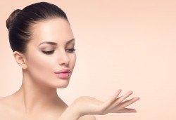 За съвършена кожа! Ултразвуково почистване на лице и завършваща маска за затваряне на порите, според типа кожа в салон за красота Магнолия, кв. Лозенец! - Снимка