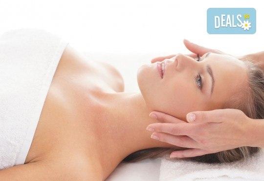 Освободете се от напрежението и релаксирайте с енергизиращ шиацу масаж на гръб или цяло тяло в холистичен център Physio Point! - Снимка 2