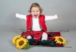 Професионална детска фотосесия по избор, в студио или външна и обработка на всички заснети кадри от Chapkanov Photography! - Снимка