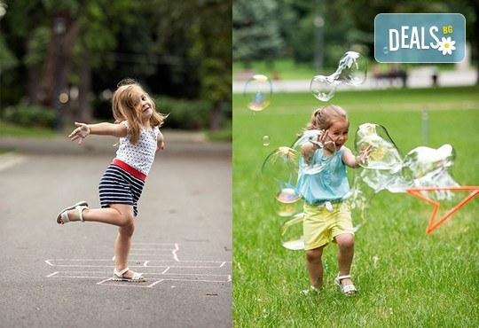 Професионална детска или семейна фотосесия по избор, в студио или външна и обработка на всички заснети кадри от Chapkanov Photography! - Снимка 22