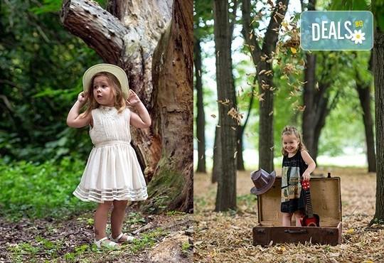 Професионална детска или семейна фотосесия по избор, в студио или външна и обработка на всички заснети кадри от Chapkanov Photography! - Снимка 1