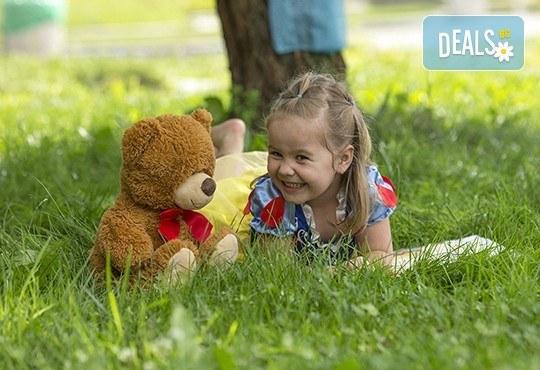 Професионална детска или семейна фотосесия по избор, в студио или външна и обработка на всички заснети кадри от Chapkanov Photography! - Снимка 6