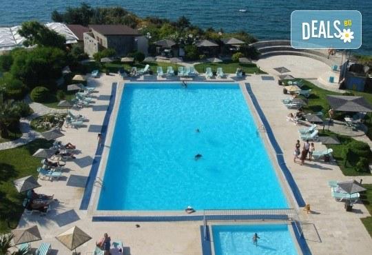 Септември в Чешме, Турция, с Вени Травел! 7 нощувки All Inclusive в хотел Babaylon Hotel 4*, възможност за транспорт! - Снимка 2