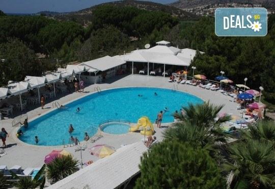 Лятна почивка в Кушадасъ, Турция! 5 или 7 нощувки All Inclusive във Flora Suites 3*, безплатно за дете до 12.99 г. - Снимка 1