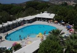 Лятна почивка в Кушадасъ, Турция! 7 нощувки All Inclusive във Flora Suites 3*, безплатно за дете до 12.99 г. - Снимка