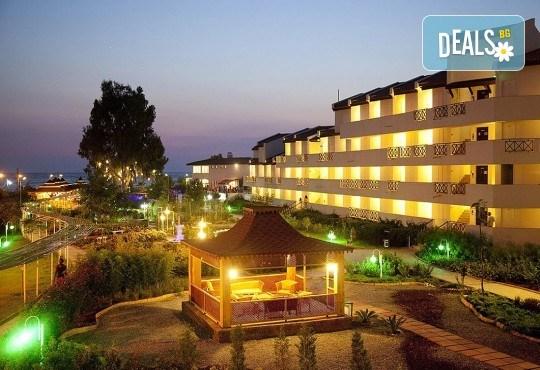 Почивка в хотел Sentinus 4*, Кушадасъ, Турция, април/ май! 7 нощувки на база All Inclusive, безплатно за дете до 12.99г. и възможност за транспорт! - Снимка 1