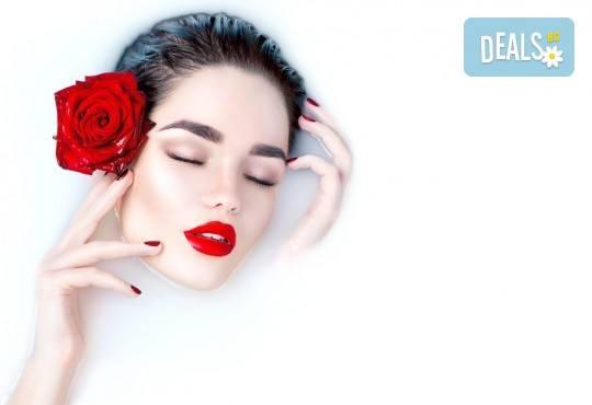 Цвят и дълготрайност! Маникюр с гел лак, 2 декорации и бонус: сваляне на стар гел лак в New faces-beauty studio! - Снимка 1