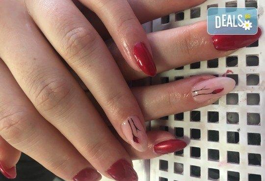 Красив маникюр! Изграждане с гел, маникюр с BlueSky, 4 декорации или камъчета, пилинг и масаж на ръцете в New faces-beauty studio! - Снимка 5