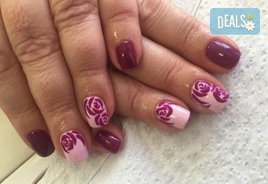 Красив маникюр! Изграждане с гел, маникюр с BlueSky, 4 декорации или камъчета, пилинг и масаж на ръцете в New faces-beauty studio! - Снимка 6
